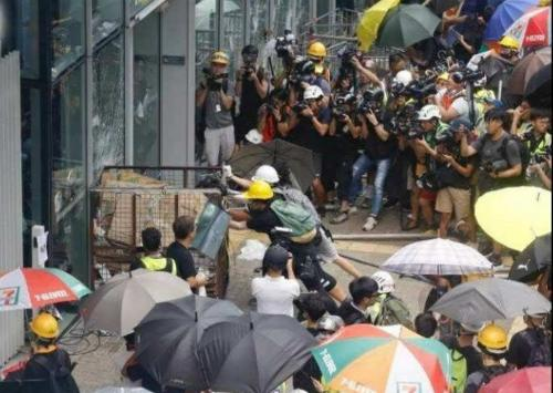 Media stunt breaking into Legco to ransack the place (1)